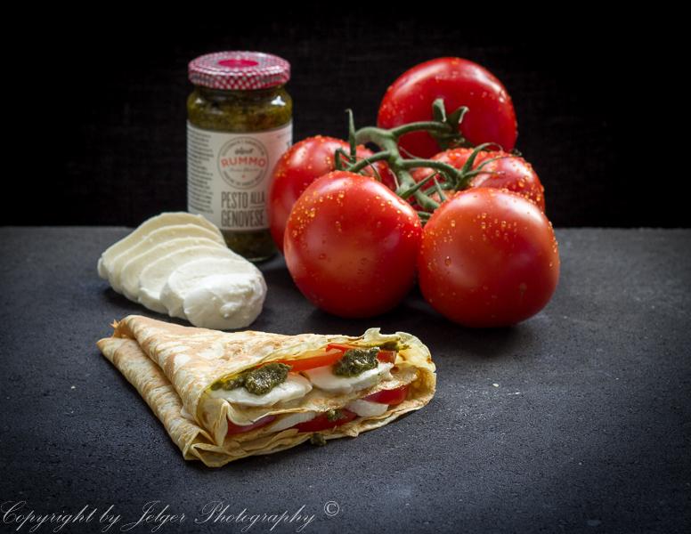 Crêpe tomaat mozerella pesto